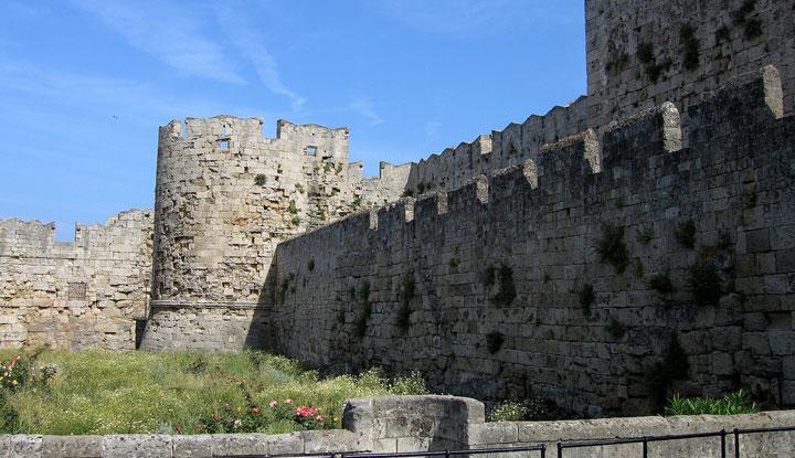 Одна из самых длинных крепостей.