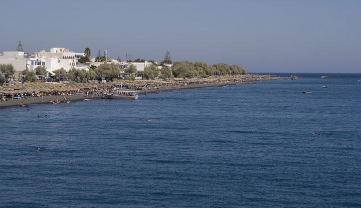 Пляж Камари.