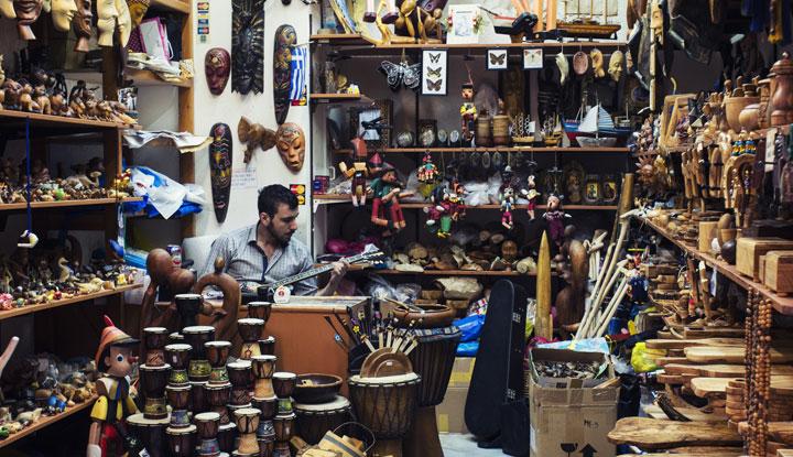 Экзотические и hand-made сувениры понравятся всем близким! Фото: flickr.com/spyrospapaspyropoulos