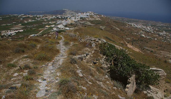 Монастырь Ильи Пророка на вершине горы.
