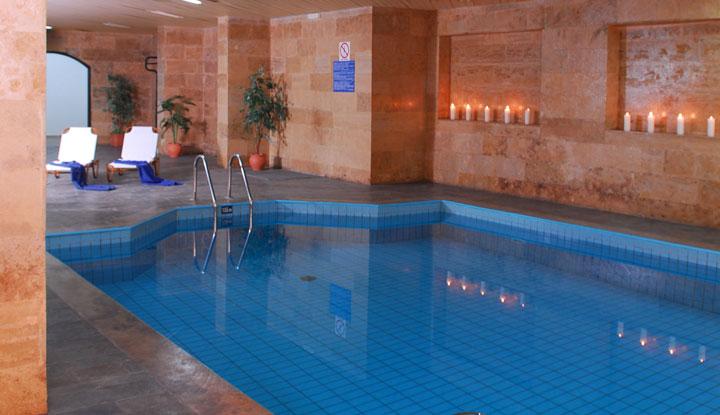 Один из бассейнов.