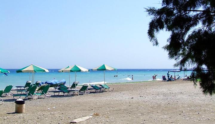Пляж Pylea Beach Hotel.