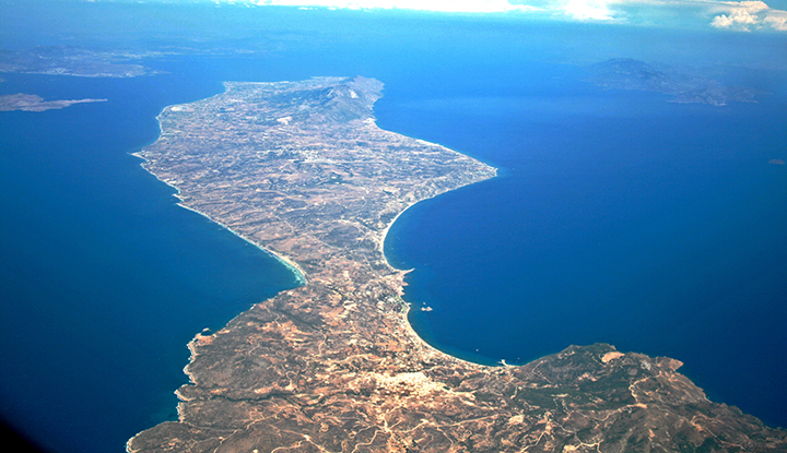 Взгляд на остров Кос из иллюминатора.