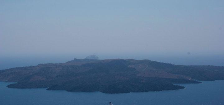 Вулкан Санторини.