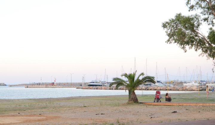 На муниципальном пляже.
