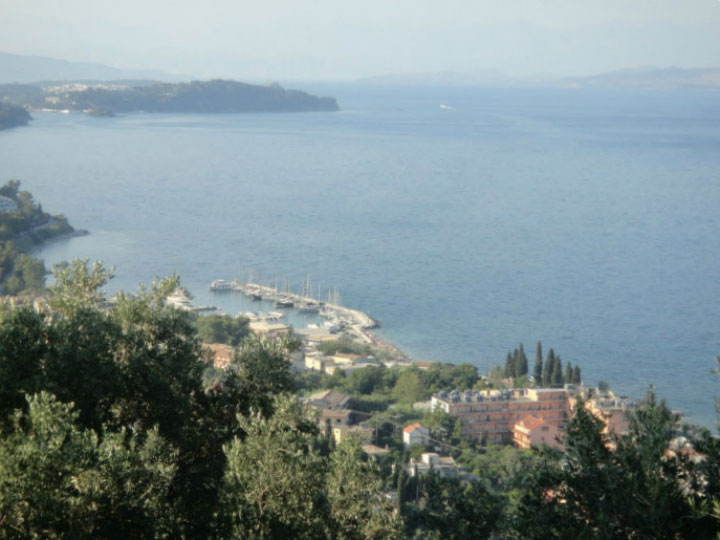 Вид на побережье с высоты.