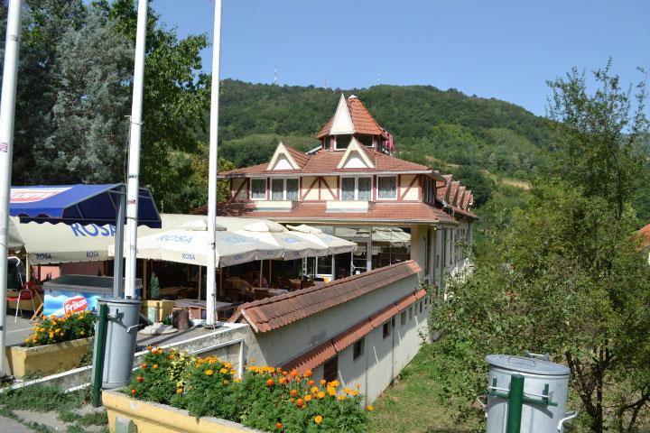 Отель в Сербии.