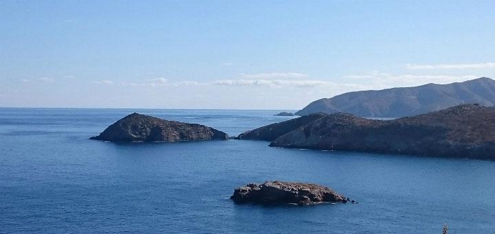 Острова в море.