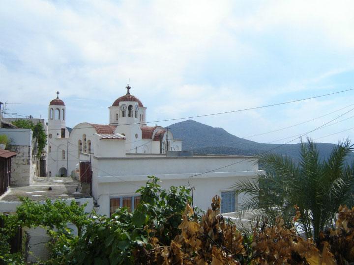 Деревенская церковь.