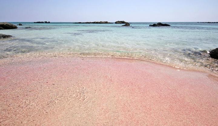 Розовый песок.