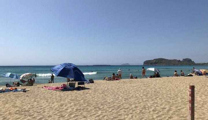 Тёплое море, горячий песок.