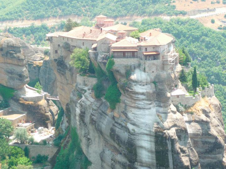 Храм в горах.