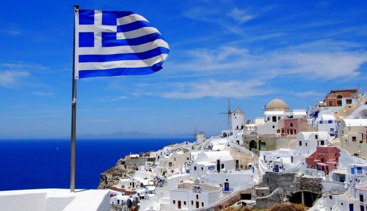 Греческий флаг.