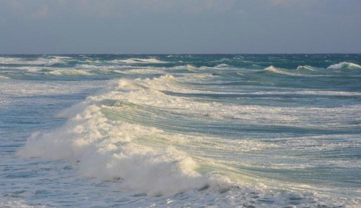 Большие волны.