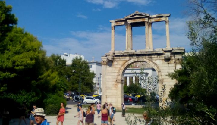 Руины в Афинах.