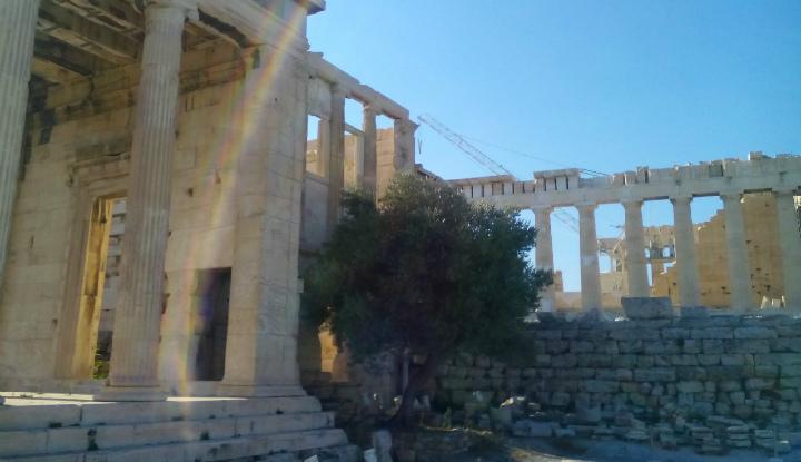 Храм в Афинах.